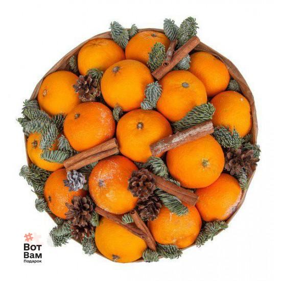Новогодний букет из мандарин и корицей