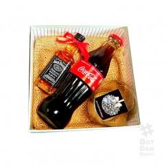 Подарочная коробка с виски и колой