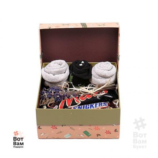 Подарочный набор из носков и конфет купить в Харькове
